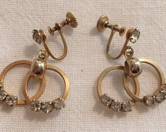 Vintage Interlocking Circles Screwback Earrings