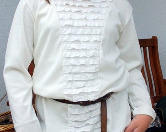 Girl of white long sweater, tunic Gr. 168