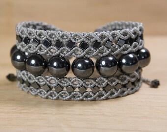 Hematite bracelet, hematite macrame bracelet, crystal healing therapy, macrame jewelry, yoga gemstone bracelet, micro macrame, grey bracelet