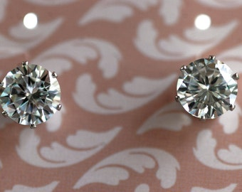 Cubic Zirconia, Round, Diamond, Stud Earrings, Different Sizes, Highest Quality, Tarnish Free, Lead Free, Unisex