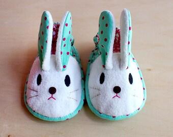 Elastic Baby Booties - Chubby Bunny 03
