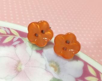 Button Stud Earrings.