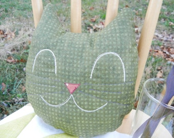 Cat smiley mini pillow - Olive green