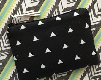 Black zipper pouch - change purse - black wallet - coin purse - zip pouch - triangles print bag - small pouch - black bag
