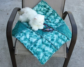 Teal cat bed, Pet Furniture cover, pet bed, luxury pet bed, pet bedding, pet accessories, pet quilt, bedding for pets, pet travel blanket