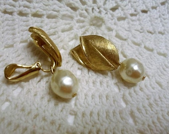 Vintage Estate Gold Tone Leaf with Pearl Drop Earrings Clip On