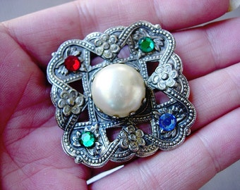 Wonderful Vintage-Antique Victorian Faux Pearl and Rhinestone Jeweled Brooch