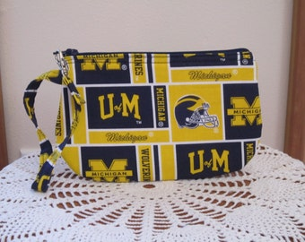 Clutch Zipper University Michigan Gadget Pouch Wristlet Smart Phone Bag Football