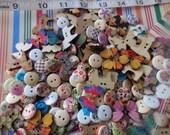 100 mixed lot Destash grab bag unique buttons wood Floral Butterfly Toy Horse Calico Print, CUTE