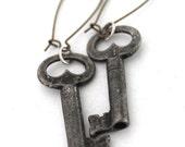 Skeleton Key Earrings, antique key earrings, key dangle earrings, rustic key jewelry, vintage key earrings, steampunk earrings