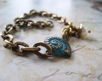 Sea Shell Bracelet, Nautilus Shell, Turquoise Patina, Bronze with Patina, Pattern Chain, Artisan Beadcap, Bronze Beadcap, Freshwater Pearl