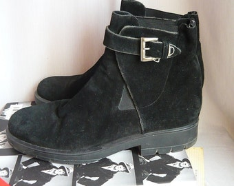 Womens Suede Harness Ankle Boots ITALY / size 9 Eu 40 UK 6 .5 M / Black Suede n Leather / Via SPIGA Oxford Flat Boot