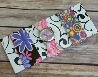 Women's Fabric Watch Set with Round Lavender Watch Face and three bands