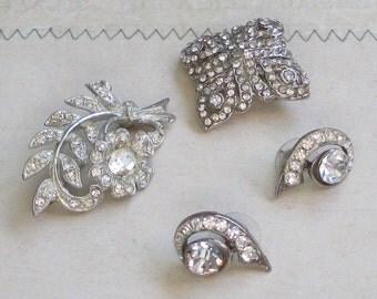 Vintage Art Deco Pot Metal Brooch, Rhinestone Flower Pin, Art Deco Style, Curved Earrings, Diamond Shaped Jewelry