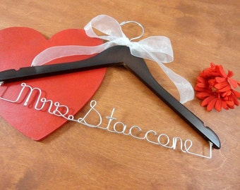 Personalized Bridal Hangers - Deluxe Hanger - Wedding Gown Hanger - Bride Gift Idea - Shower Bridal - Bridal Coat Hanger - Dress Hangers