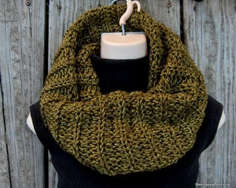 SALE Outlander Inspired Cowl, chunky knit Green womens cowl outlander, sassenach claire starz , chunky cowl, Outlander Cowl, Outlander Scarf