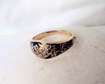 Beautiful seed pearl cross and blue enamel 18k gold mourning ring, c1868