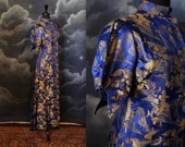 Vintage 1930s Luxurious Chinese Dressing Gown Robe with ArtDeco Puffed Sleeves - Size Medium