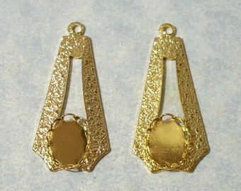 2 Gold Plated Textured Settings, 8x10mm Cabochon Settings, Earring Drops, Earring Components