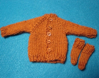 Rust Wool Sweater and Socks for Blythe, Pullip and Vintage Skipper