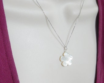 Mother of pearl  flower necklace , gold vermeil (Gold plated sterling silver) flower necklace, Sterling silver flower necklace