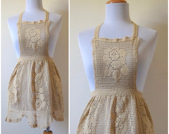 SPRING SALE/ 20% off Vintage 50s 60s Crocheted Apron