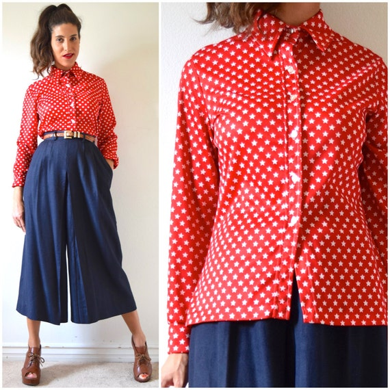 Vintage 70s Star Spangled Long Sleeved Collared Button Down Shirt (size medium, large)