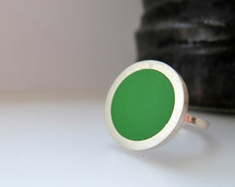 Small Round Green Resin Ring - Emerald Green Rings - Pop 3/4 inch diameter ring - Sixties Pop Art Jewelry