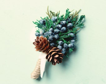 Winter wedding boutonniere, Dried greenery bout, Juniper buttonhole, groomsmen button hole, Woodland boutonniere - JUNIPER (1 bout)