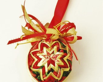 Quilted Ornament Red Green and Gold
