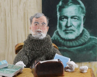 Ernest Hemingway- Diorama Miniature Scene-  Classic Literature- American Writer- Geek art