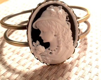Cameo Cabochon Brass Bangle Bracelet