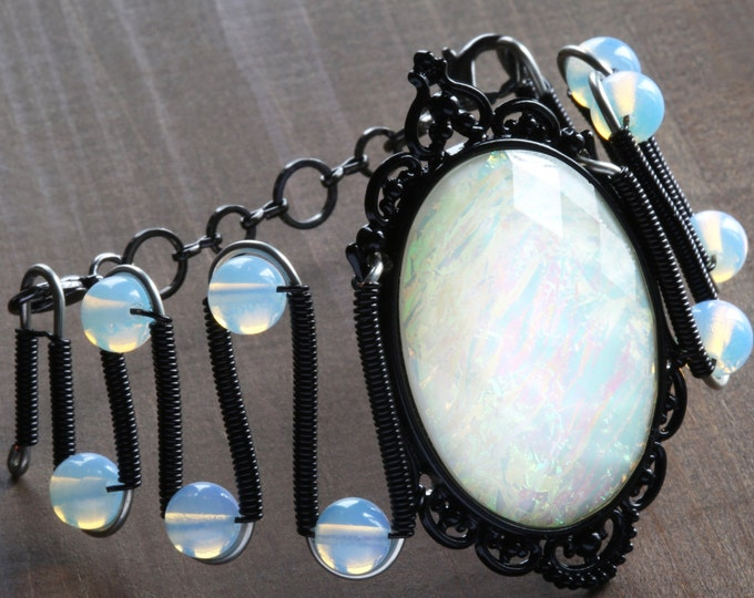 Neo Victorian Gothic Chic Jewelry - Bracelet - Opalescent cabochon and opalite moonstone breads