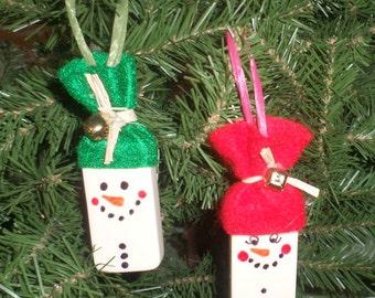 Domino Snowmen Tree Ornaments - Christmas Ornaments - Upcycled Vintage Dominoes - Snowman Ornament - Small Ornament - Cute Snowmen - Set 4