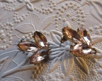 Pink vintage rhinestone earrings , vintage earrings, pink earrings, pink vintage earrings