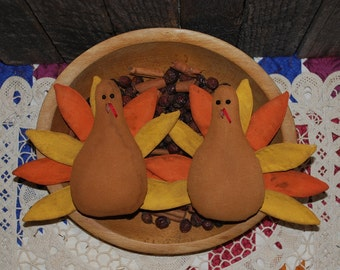 EPATTERN -- Thanksgiving Tom Turkey Tucks Primitive Bowl Fillers