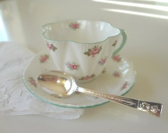 Vintage Queen Elizabeth Coronation Spoon Teaspoon 1953 Silver Plate Silhouette - EnglishPreserves