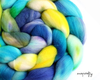 hand-dyed merino wool / spinning fiber, felting fiber/ 4.2 oz / algae bloom colorway / blue, teal, aqua, yellow