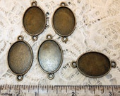 "5 Antique Brass 1-1/4"" Connector Oval Blank Bezel Setting  Pendant Trays for Resin or Cabochons"