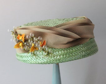 1950s Hat / 50s Celery Green Straw Hat / Ombre Band and Bubbles 1960s Hat