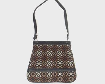 1970s purse / vintage 70s handbag / Woven Welsh Tapestry Handbag
