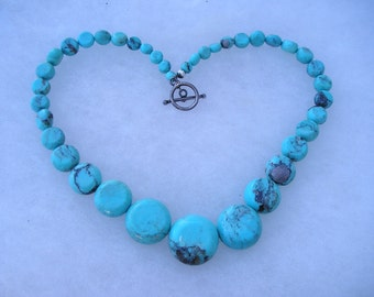 Lovely Native American Chunky Turquoise Toggle Necklace