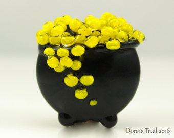 Made to Order, Witch's Cauldron, Lampwork Bead Focal, Glass Bead, Halloween Bead, Black and Yellow, Donna Trull, SRA