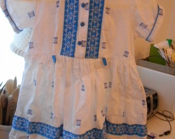 Vintage Childs Cotton Dress Blue and White Size 4, 5,6