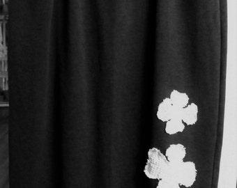 5-6X Embellished Skirt/Dark Grey/Black/Rayon/Poly/Spandex knit/Funky Hobnail Flowers