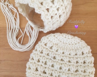 Newborn twin hats.. Bonnet and beanie swt.. Boy girl twins.. Photography prop.. Ready to ship... Cream set