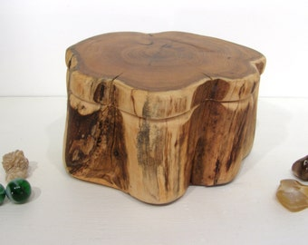 Pacific Yew Wood Box, small cremation urn, pet urn, wood art, wooden jewelry box, nature lovers gift, desk organizer, tree trunk, Oregon