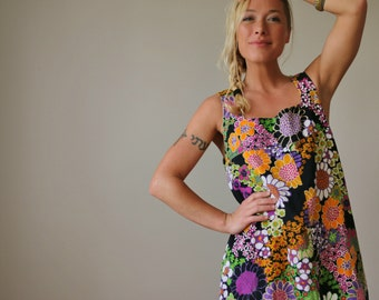 1960s Floral Tent Dress >> Extra Small to Small
