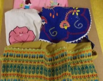 4 vintage aprons homemade & other Asian children, appliques floral