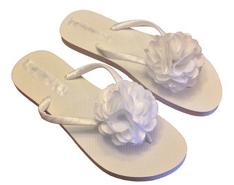 Flower Flip Flops - Wedding Flip Flops - Bridal Flip Flops - Rhinestone Flip Flops - Beach Sandals - Bride Flip Flops - 30 Flower Colors